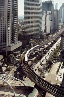Die modernen gebäude der stadtwolkenkratzer