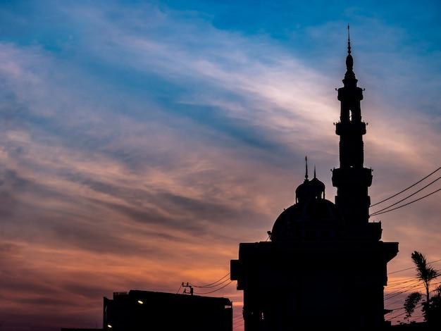 Die moschee am morgen, dämmerungszeit
