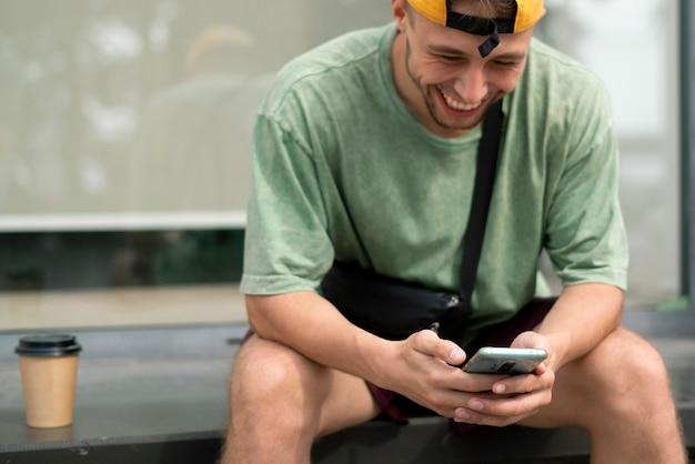 Die nutzung des smartphones und die kommunikation in sozialen netzwerken