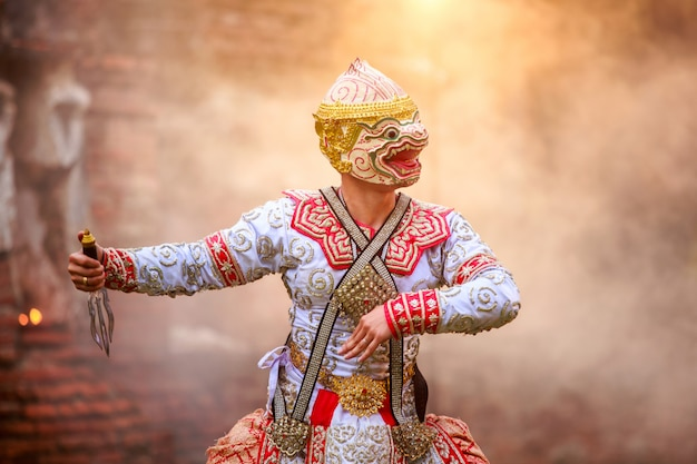 Die pantomime (khon) festkerzen