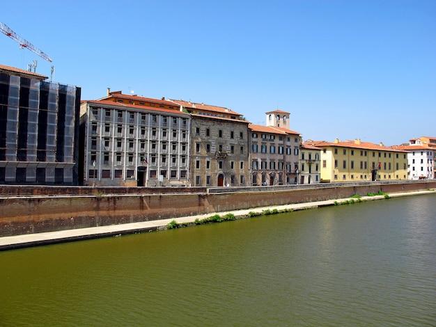 Die promenade in pisa, italien