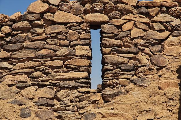 Die ruinen des alten klosters von ghazali in der sahara-wüste, sudan, afrika