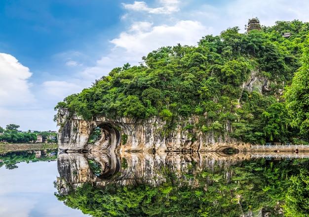 Die schöne landschaft von guilin in yangshuo