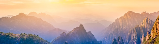 Die schöne naturlandschaft des huangshan berges in china