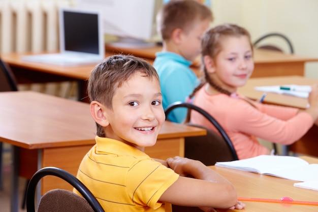Die schüler in der schule lernen
