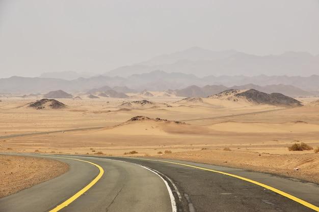 Die straße in der wüste