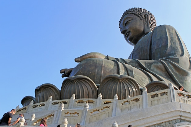 Die tian tan buddha statue