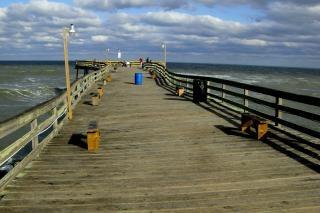 Die verzerrte avalon pier pier