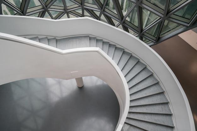 Die wendeltreppe des kunstmuseums, ein museum für zeitgenössische kunst in chongqing, china.