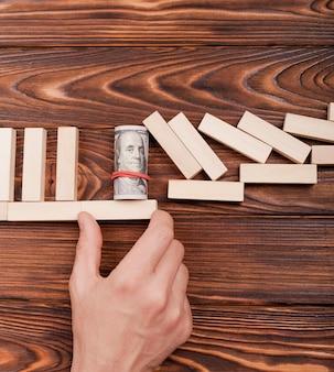 Die wirtschaft retten und das krisenkonzept stoppen