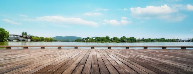 Die wunderschöne landschaft des yulong-sees in xuzhou