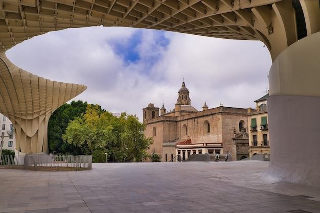 Die wunderschöne stadt sevilla in andalusien spanien
