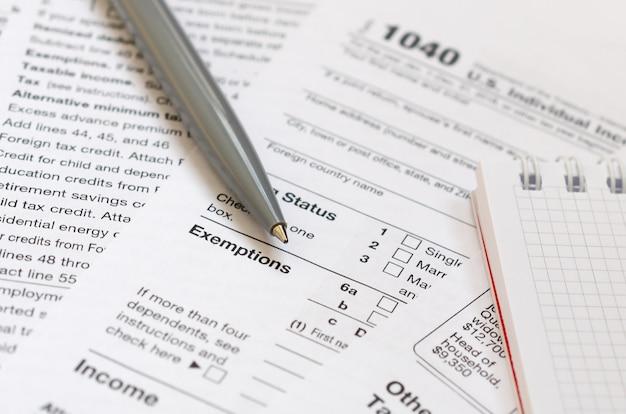 Die zeit, um steuern zu zahlen
