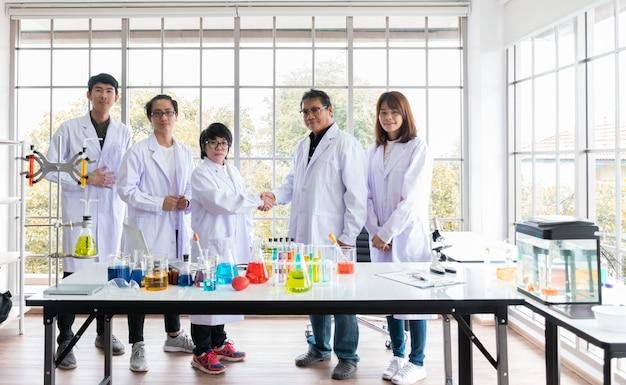Die zusammenarbeit zwischen zwei labors asiens hat die internationale fischforschung zum erfolg geführt