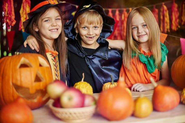 Dies ist die beste halloween-party in unserem leben
