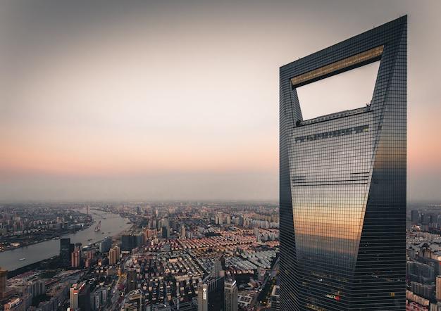 Diese aufnahme von swfc, dem zweithöchsten gebäude in shanghai