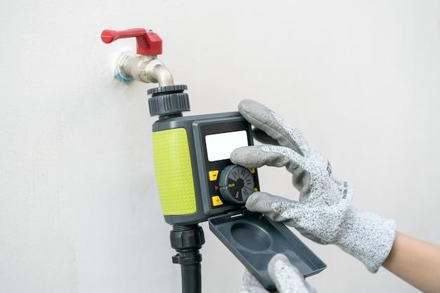 Digitaler garten-timer, programm zur zeiteinstellung für die gartenbewässerung.