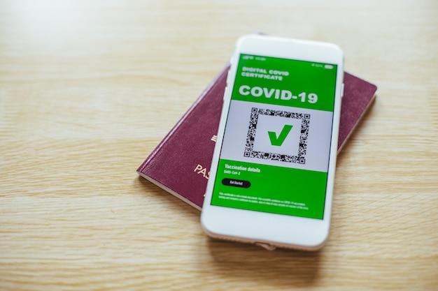 Digitales covid-zertifikat. app für den digitalen gesundheitspass auf dem handy