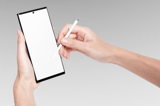 Digitales gerät auf dem handy-bildschirm