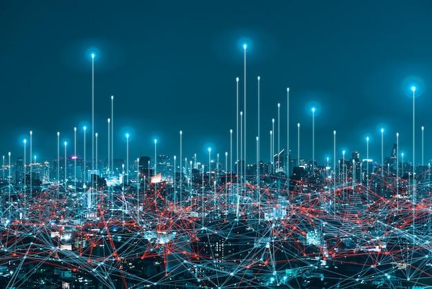 Digitales hologramm des netzwerks und internet von dingen auf stadthintergrund. drahtlose systeme des netzwerks.