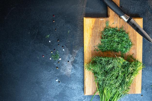 Dill frische rohe grüne kräuterzubereitung zum einfrieren der portionsgröße
