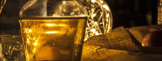 Dinner-krug-detail, bannerbild mit kopienraum