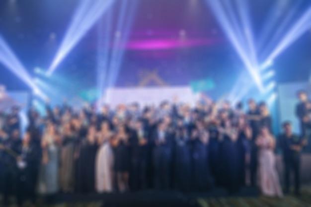 Disfocus der award-zeremonie thema kreativ. hintergrund für business-konzept