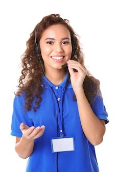 Dispatcher der jungen weiblichen technischen unterstützung auf leerraum