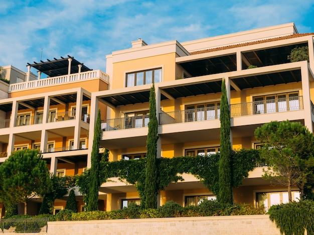 Distrikt porto montenegro elite cottages villen am meer