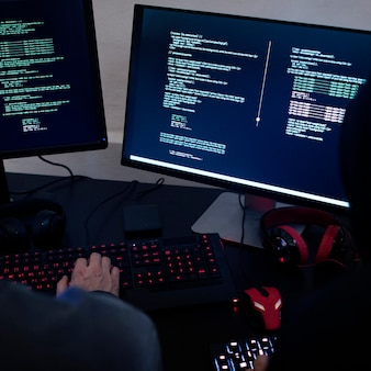 Diverse computer hacking shoot