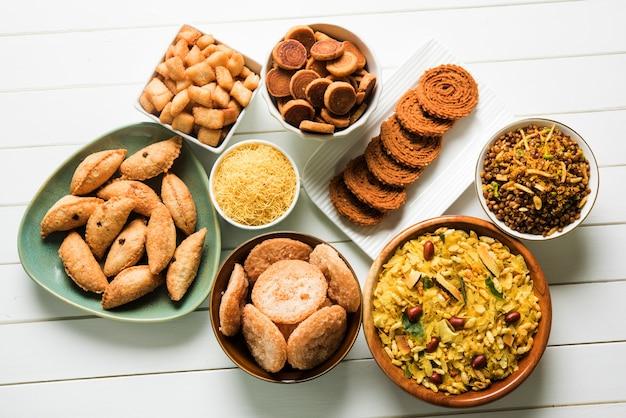 Diwali süße und salzige snacks oder lebensmittel aus maharashtra, indien