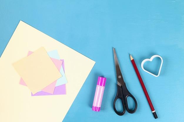 Diy-valentinsgruß-tagesgrußkarte am 14. februar