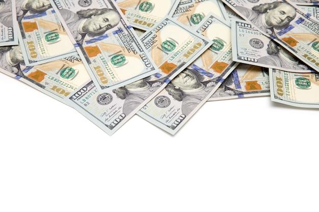 Dollar arrangiert isoliert auf weiß