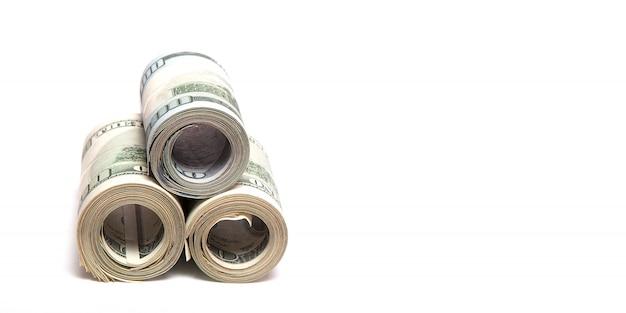 Dollar auf einem weiß, ein stapel von hundert dollar