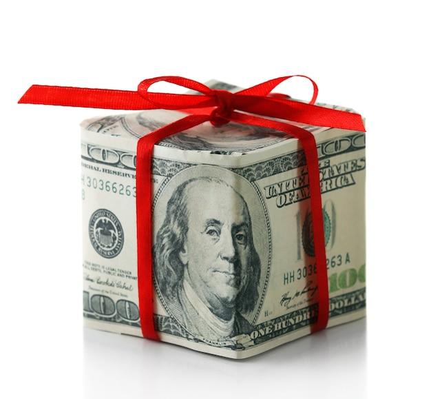 Dollar-geschenkbox mit schleife isoliert auf weiß