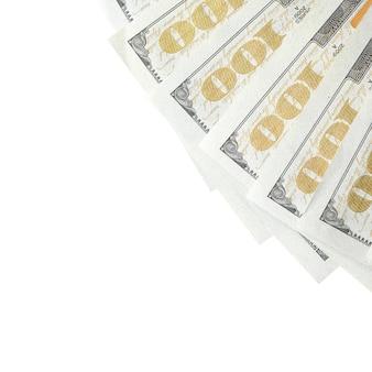 Dollar-scheine. amerikanisches geld getrennt auf weiß mit copyspace