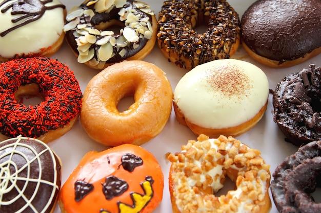 Donut mit sorten topping