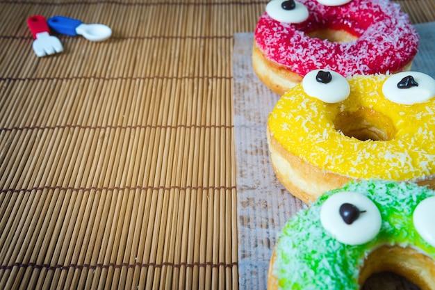 Donut und bonbons für snacks.