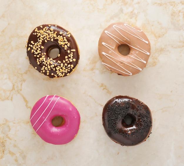 Donuts auf marmor