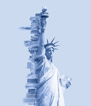 Doppelbelichtungsbild der freiheitsstatue und der skyline von new york mit blau getöntem bild des weltraums