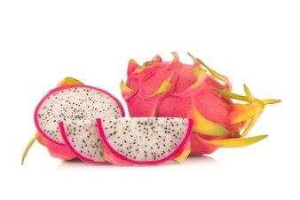Dragon Fruit isoliert vor weißem Hintergrund