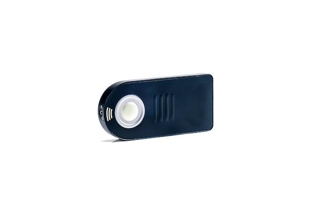 Drahtlose fernbedienung für dslr-kamera. auf weißem hintergrund isoliert