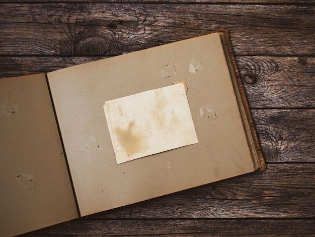 Draufsicht altes fotoalbum