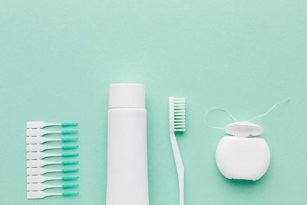 Draufsicht auf die anordnung des zahnpflegesets