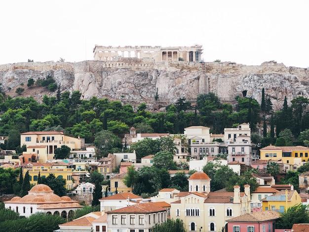 Draufsicht auf die gegend von plaka und der akropolis.
