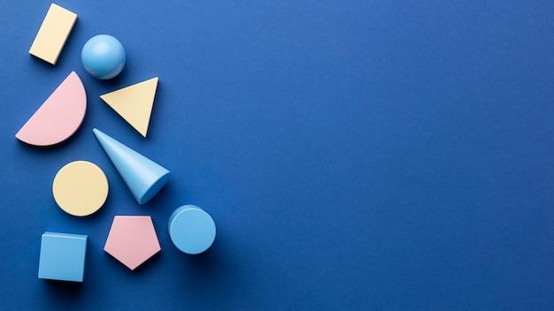 Draufsicht auf geometrische formen mit kopierraum