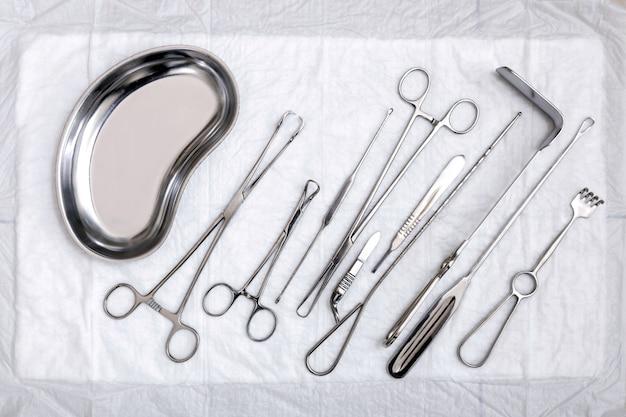 Draufsicht auf gynäkologische sterile werkzeuge