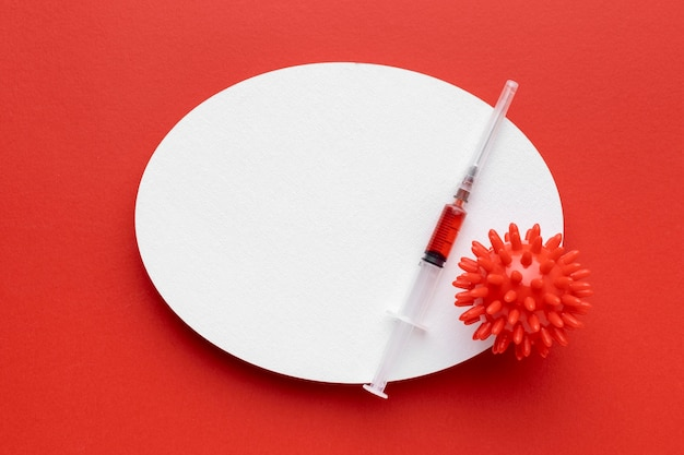 Draufsicht auf impfstoff mit virus und kopienraum