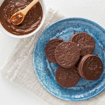 Draufsicht auf köstliche alfajores-kekse