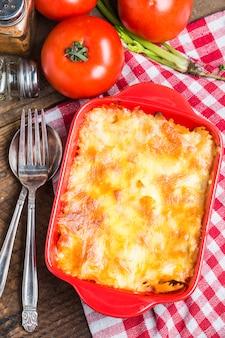 Draufsicht auf leckere lasagne
